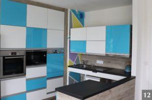 Barevná kuchyně s bezbariérovou technologií