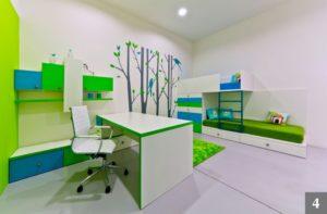 Velký dětský pokoj s doupatrovou postelí a úložným prostorem