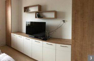 Ložnice na míru s vestavěnými skříněmi