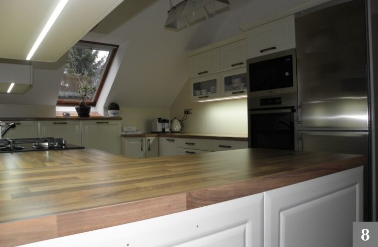 Rustikální kuchyně v mezonetovém bytě
